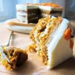 Veganer Sauerteig-Karottenkuchen mit Cashewbuttercreme